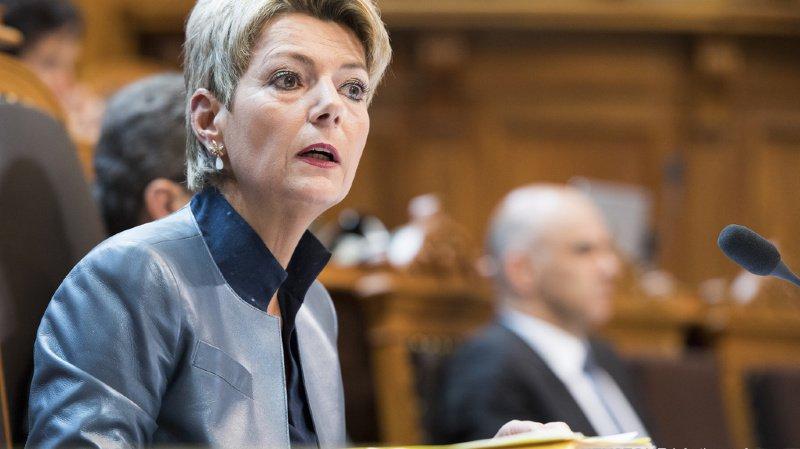 Karin Keller-Sutter reste la favorite à la succession de Johann Schneider-Ammann.