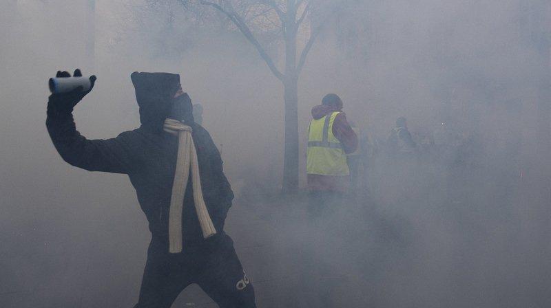 """Les auteurs des violences qui ont eu lieu ce week-end à Paris, lors de la mobilisation des """"gilets jaunes"""", présentent des profils très différents."""
