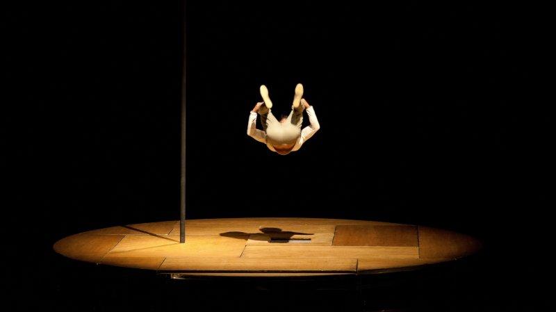 """InTarsi - Par la Compagnie de Cirque """"eia"""""""