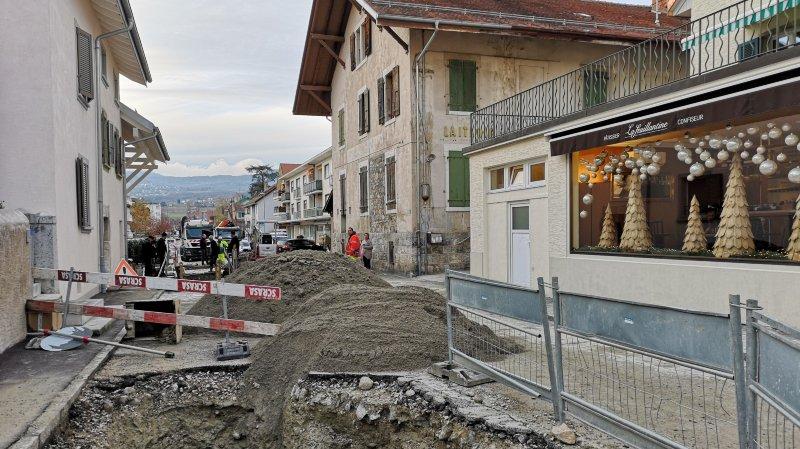 Gland: une conduite d'eau de la Grand-Rue connaît sa huitième fuite en 24heures