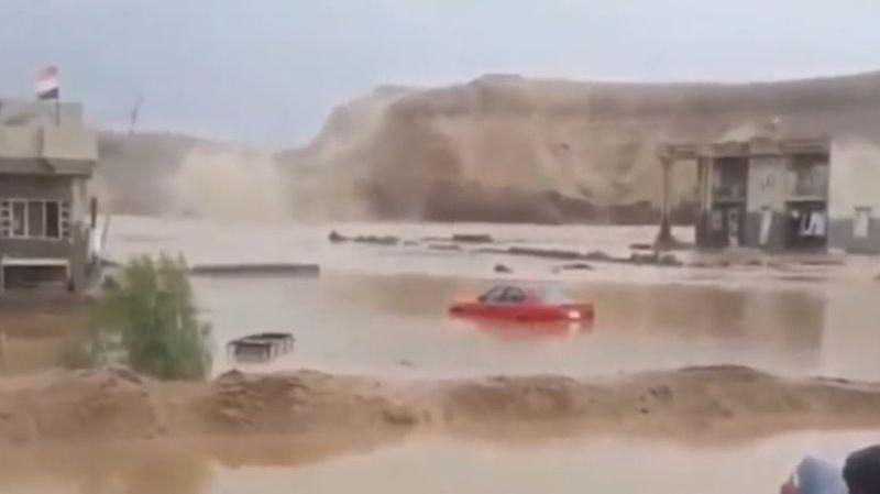 A travers le pays, de nombreuses infrastructures ont été submergées et endommagées par les eaux.