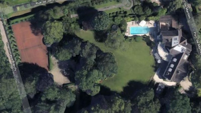 Vue aérienne de la propriété de Johnny et Laeticia Hallyday à Marnes-la-Coquette.