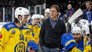 Hockey: après 22 ans passés sur le banc du HC Davos, Arno Del Curto démissionne