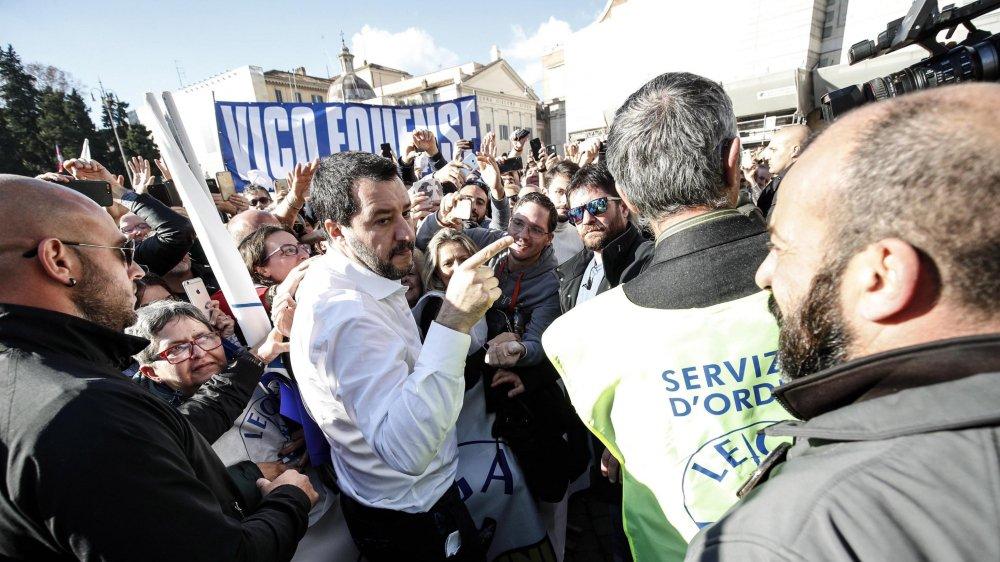 Matteo Salvini reste populaire dans les sondages, mais semble se mettre à dos les petits patrons du nord de l'Italie.