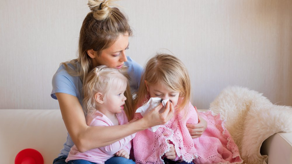 Le rhume, un combat quotidien dès l'hiver venu pour les parents.