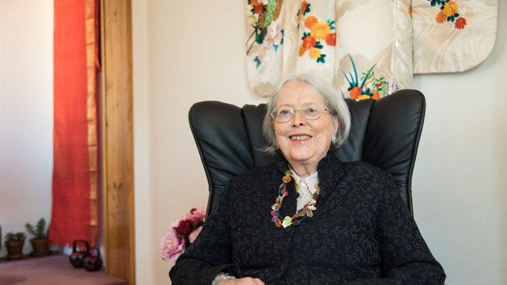 Béatrice Corti-Dalphin s'adonne à l'écriture après avoir mené une carrière de psychothérapeute.