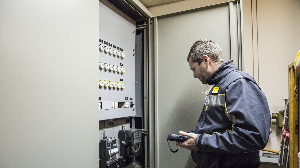 A Schaffhouse, ce sont déjà des collaborateurs de distribution de La Poste qui relèvent les compteurs électriques. Romande Energie recourra aux facteurs dès avril 2019.