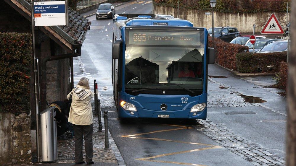 Selon le nouvel horaire, le bus est en pause pendant 6 minutes à l'arrêt Musée national.