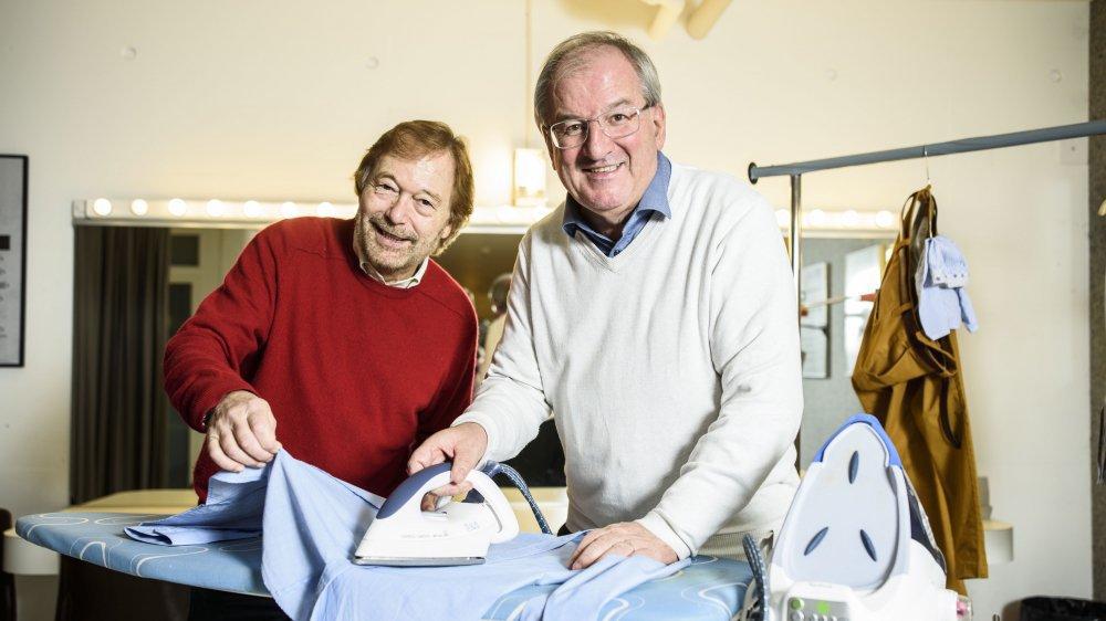 Bertrand Favre, à gauche, et Jean-Pierre Deriaz ont été au four et au moulin durant ces 26 ans passés au sein du comité d'animation du Théâtre de Terre Sainte.