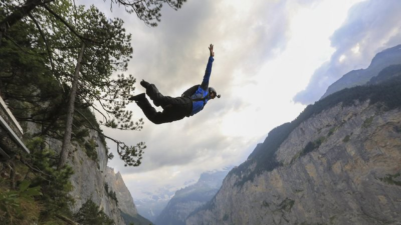 Berne: un base jumper français se tue dans la région de Lauterbrunnen
