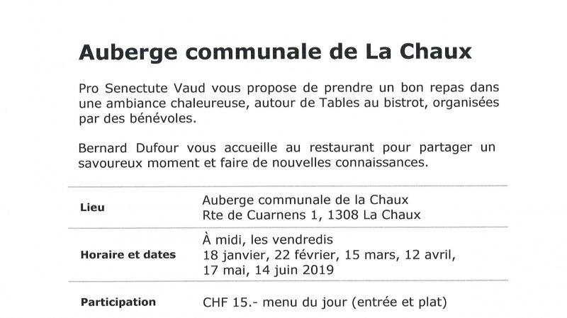Table au bistrot à Auberge communale de La Chaux