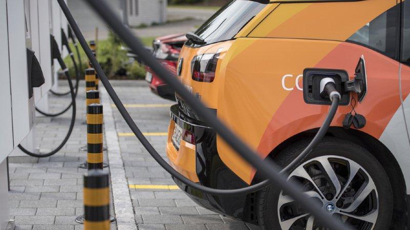 Mobilité: près d'une nouvelle voiture sur sept devrait rouler à l'énergie électrique en 2022