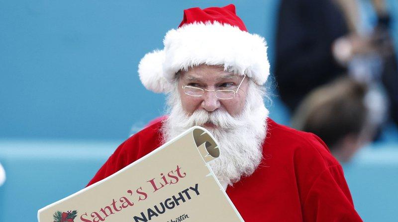 Etats-Unis: le Père Noël, traqué par l'armée, a démarré sa tournée