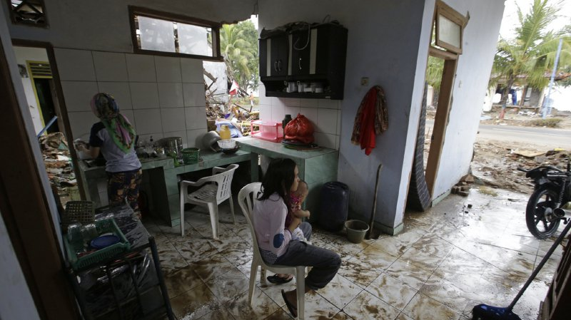 Indonésie: le pays relève le niveau d'alerte du volcan responsable du tsunami
