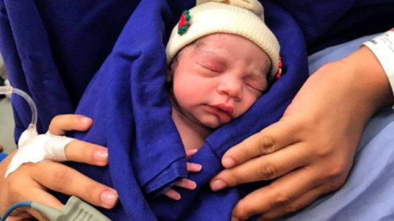 Santé: naissance au Brésil du premier bébé grâce à une greffe d'utérus