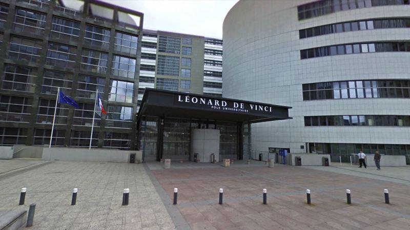 France: un professeur de l'université de Courbevoie poignardé à mort par un ancien élève