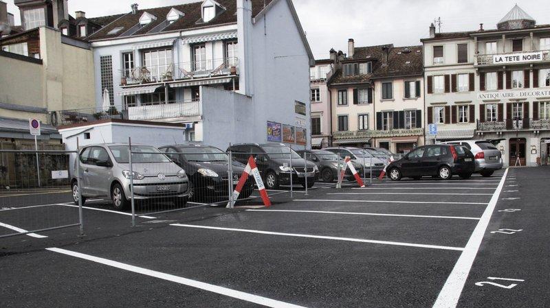 Le parking de la Tête Noire est payant depuis des lustres. Mais autour de Noël, les bûches (celles-ci en tout cas) se faisaient moins fréquentes. Ce ne sera pas le cas cette année.