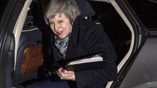 Brexit: la première ministre britannique Theresa May surmonte le vote de défiance