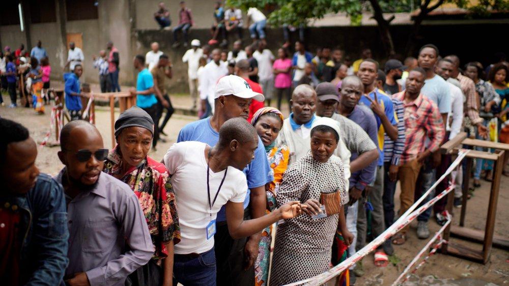 A Kinshasa, le vote est  une course d'obstacles