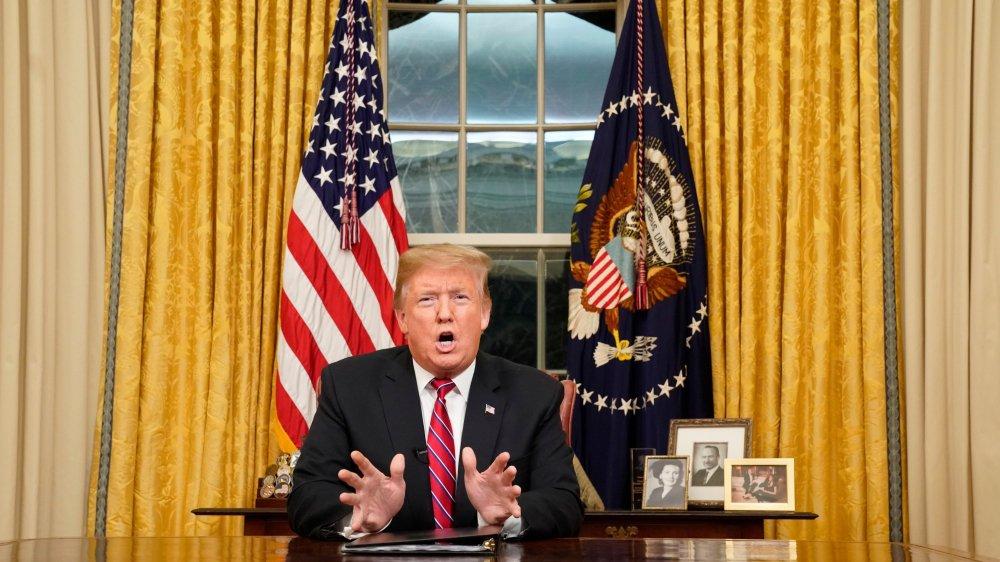 Mur défendu sur un ton présidentiel