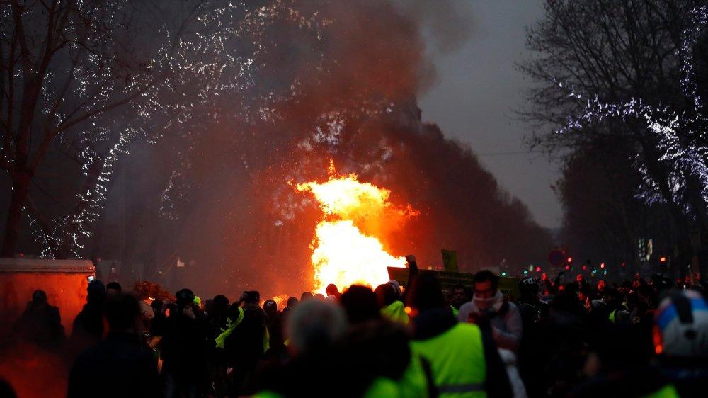 Le torchon brûle  entre Rome et Paris