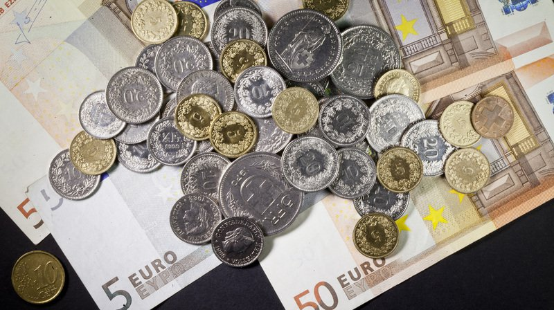 Arnaque: des ados paient avec des faux billets dans un bar grison la nuit de la St-Sylvestre