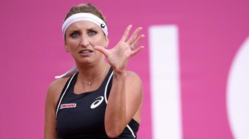 Timea Bacsinszky a conclu l'année 2018 sur une défaite. La Vaudoise s'est inclinée 6-2 7-6 (7/3) devant Maria Sharapova (WTA 29) à Shenzhen.