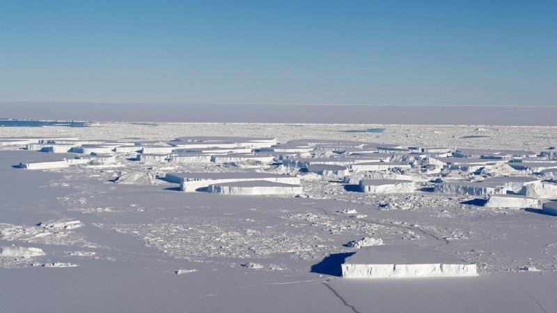 Les chercheurs ont mené la plus longue évaluation de la masse des glaces dans dix-huit régions de l'Antarctique, pour déterminer une perte d'environ 40 milliards de tonnes de masse glaciaire par an entre 1979 et 1990. (Archives)