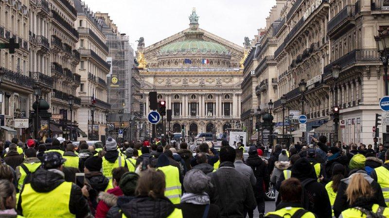 France: faible affluence et quelques heurts aux rassemblements des «gilets jaunes»