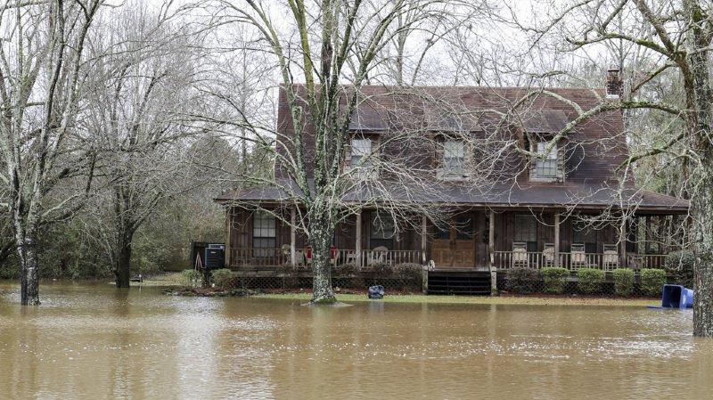 Etats-Unis: la tempête Eboni fait au moins sept morts et sème le chaos dans une partie du pays