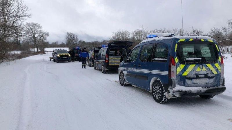 Jura français: l'équipage du Mirage qui s'est crashé mercredi reste introuvable, les recherches reprennent