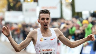 Julien Wanders s'impose à la Corrida de Houilles en battant son propre record d'Europe du 10 km sur route