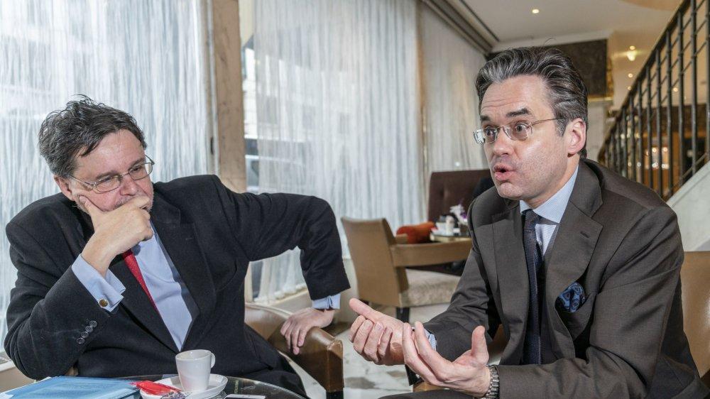 Le Vert Robert Cramer (à gauche)et le PLR Olivier Feller croisent le fer avant la votation du 10 février.