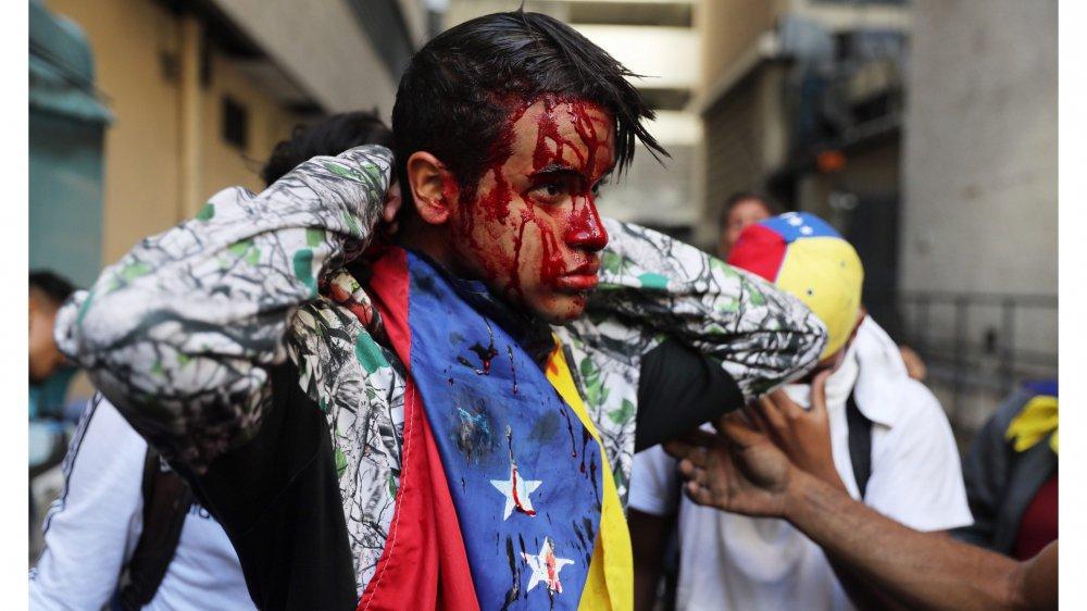 Les manifestations sont sévèrement réprimées par le régime.