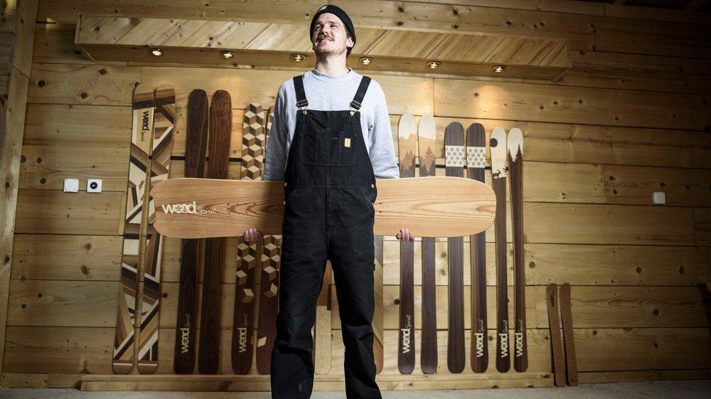 Lucas Bessard crée lui même ses skis, dans son atelier à Cuarnens. Son travail est aujourd'hui récompensé.