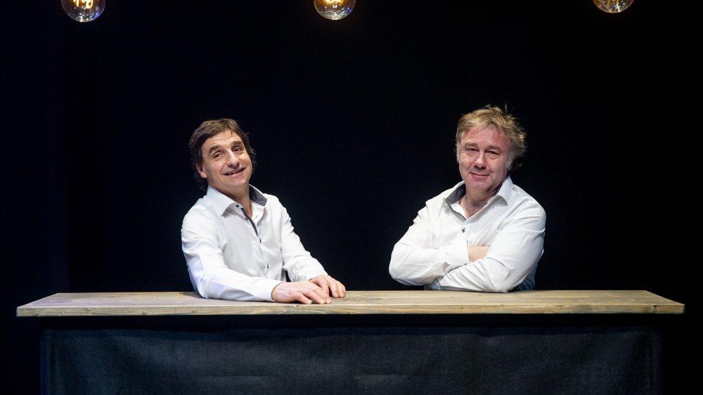 """Benjamin Cuche (à g.) et Jean-Luc Barbezat (à dr.) considère François Silvant comme """"un maître""""."""
