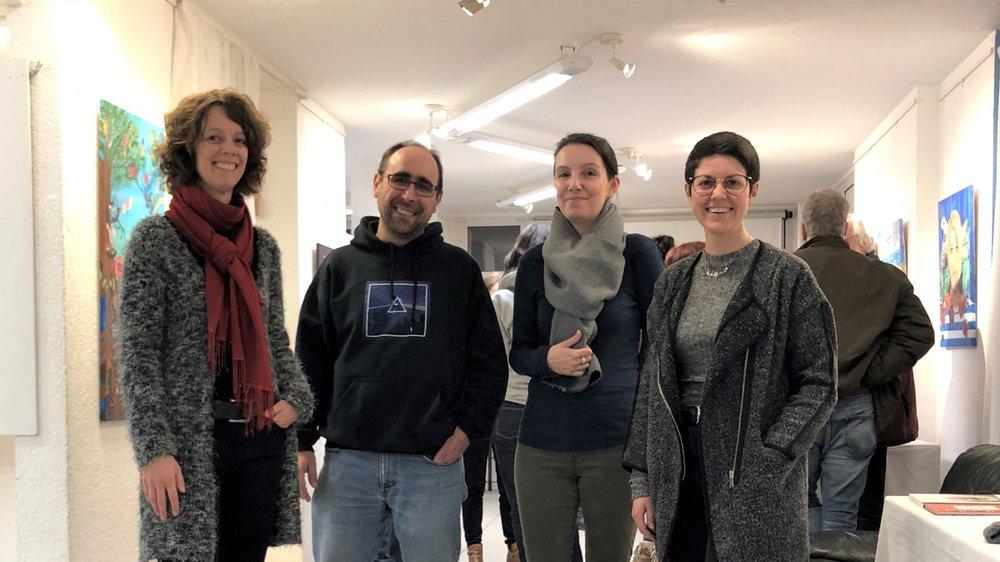 """Sandrine Rollinet (à g.) et Cinzia Sigg entourent deux """"héros ordinaires"""", Rodrigue Kilchenmann et Alexandra Pitonzo."""