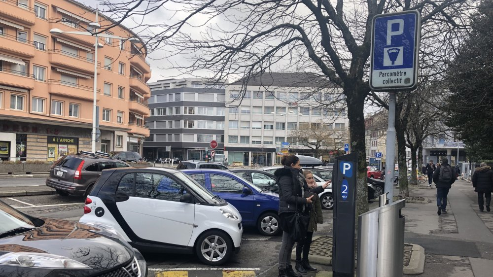 D'ici ce printemps, outre la monnaie, les automobilistes pourront payer leur parking à Morges par le biais d'une application pour smartphone.