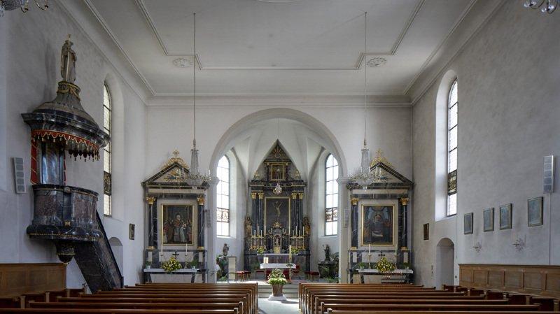 Les bancs des églises et des temples se dépeuplent dans notre pays (illustration).