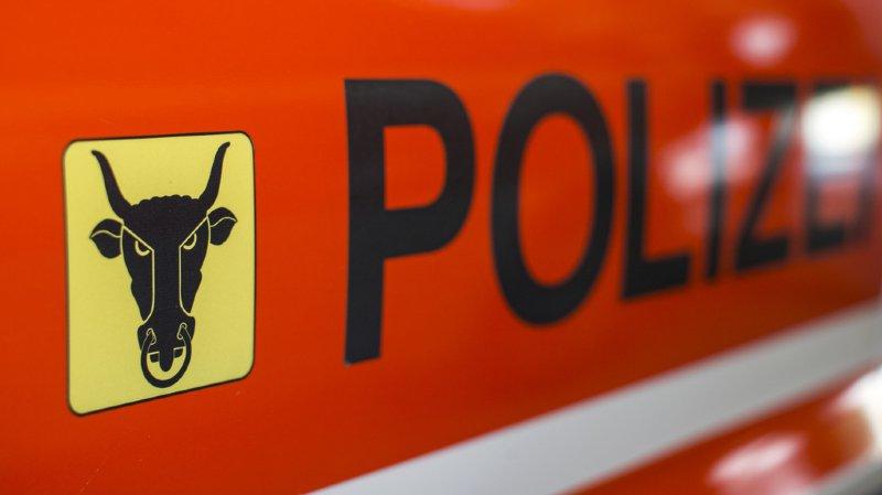 Accident mortel sur l'A2 à Uri: un homme de 43 ans percute une remorque de transport