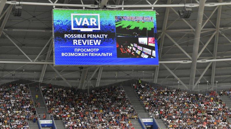 Utilisée notamment à la Coupe du Monde, le VAR va être testé en Suisse à la fin du mois de février, à l'occasion de la Coupe de Suisse. (Archives)