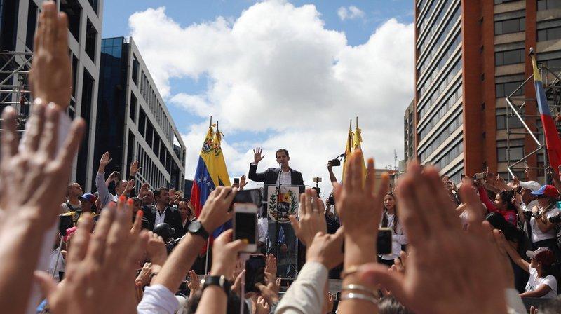 Suite à cette annonce, des affrontements ont éclaté à Caracas entre les autorités et des manifestants.