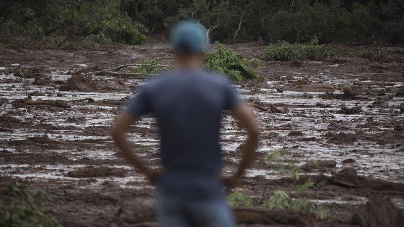 Brésil: rupture imminente d'un autre barrage, un premier accident a fait au moins 34 morts et 300 disparus