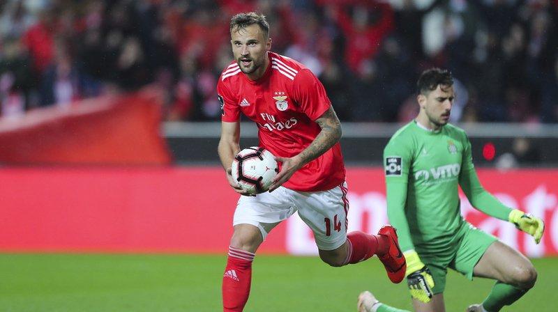 Football: plus rien n'arrête Haris Seferovic, auteur d'un nouveau doublé avec Benfica