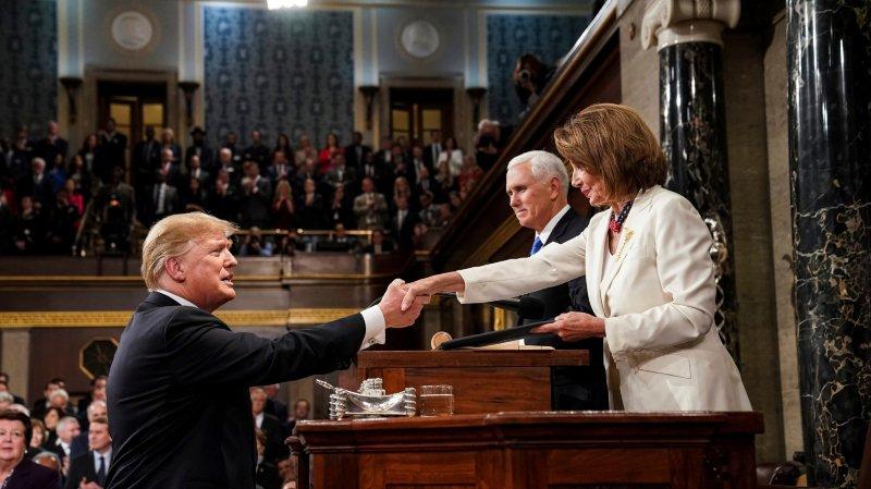 Devant le Congrès, Trump veut jouer les rassembleurs
