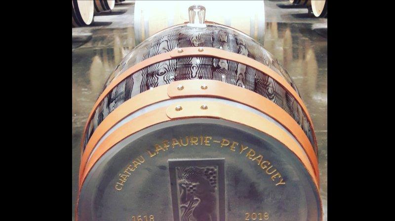 Viticulture: une barrique tout en cristal remplie de Sauternes, pièce unique au monde