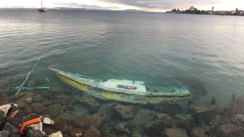 Le voilier a été retrouvé mercredi dernier dans le lac au niveau du Parc de Vertou à Morges.