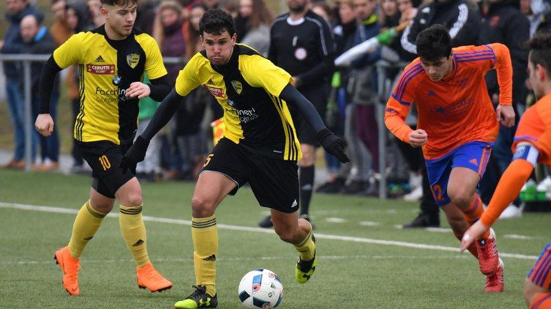 Benoît Bryand (au centre) quitte le Stade et retrouve Terre Sainte.