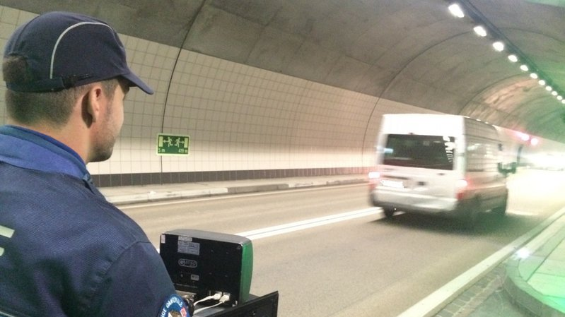 Un Valaisan de 28 ans a été flashé à 162 km/h dans un tunnel situé dans le Haut-Valais.