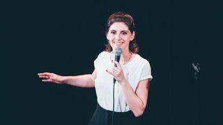 """Marina Rollman: """"Les femmes humoristes jouent sur un terrain miné"""""""